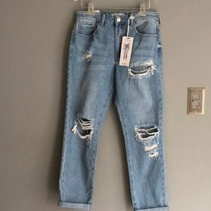 NWT Boyfriend Relaxed Fit Distressed Jeans Sz 26